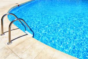 SwimmingPool42916_1