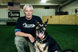 Cuando las personas van a faltar, estos de búsqueda y rescate, perros de encontrar - Greenville Diario 6