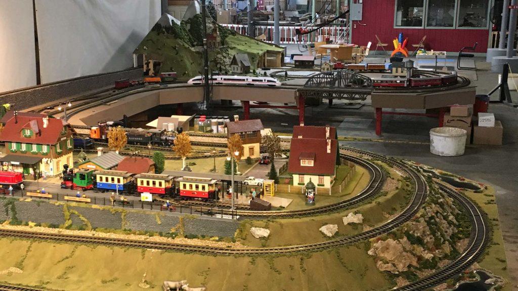 Model Trains Station Taylors